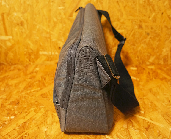 ひらくPCバッグ Evernote版のTRIANGLE COMMUTER BAG