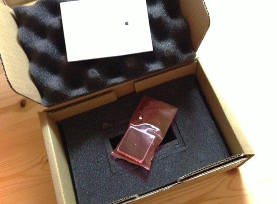 第6世代 iPod nanoが届いた箱