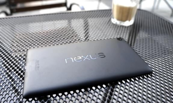 Nexus7 タリーズコーヒーにて待ちきれず開封